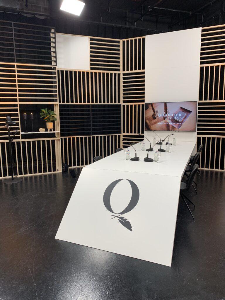 Studio pour retransmission de qualité des conférences