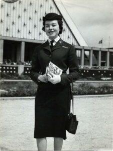 Premières hotesses d'accueil lors de l'exposition universelle de Bruxelles en 1958