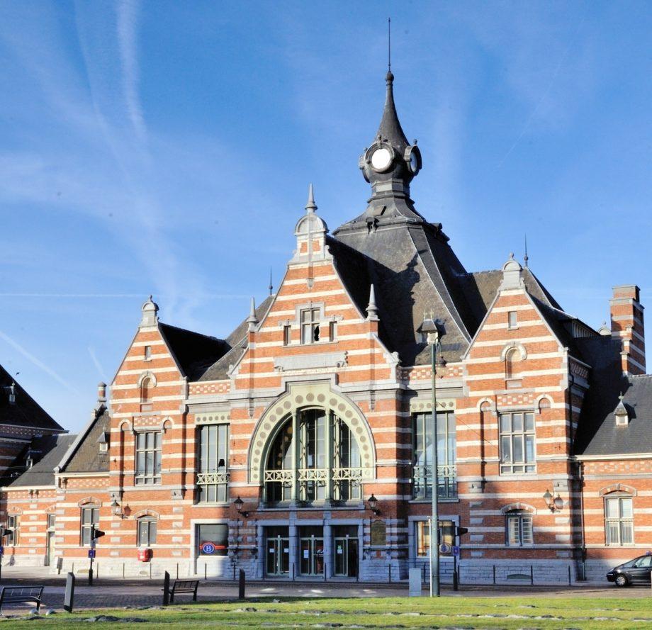 Façade extérieure de Train World, belle vue sur ce bâtiment ancien lors de votre événement extérieur