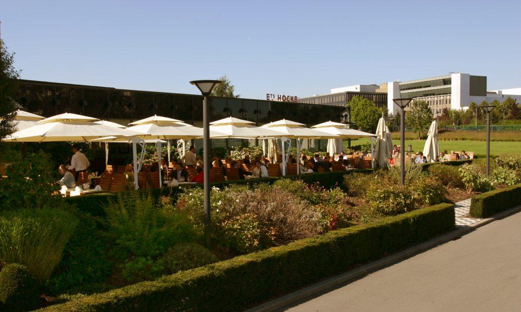 Terrasse et verdure à Brussels Kart Expo
